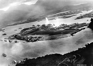 300px-Attack_on_Pearl_Harbor_Japanese_planes_view
